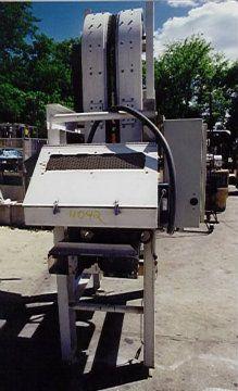 Nercon Engineering Elevating Conveyor