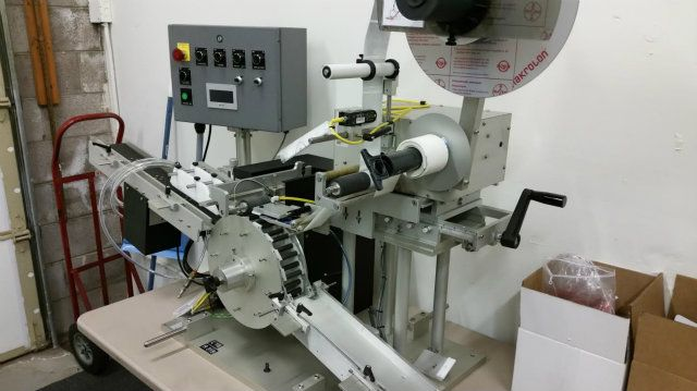 R-315 Carrousel  L-15 Universal Labeling System