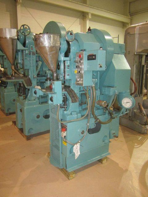 Used 900-530 Stokes 12 Ton Powder Compacting Press