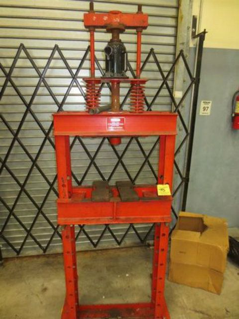 Dayton 15 Ton H-Frame Press
