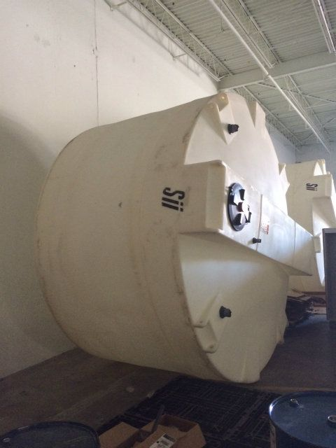 Sii Snyder Industries 5600 Gallon Plastic Tank