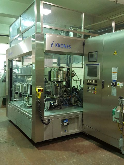 Krones High Speed Wraparound Glue Labeler