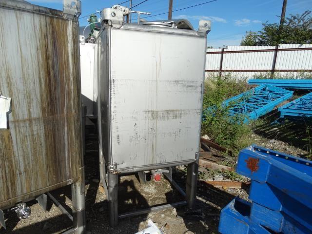 TranStore 513533 500 Gallon Square Tank