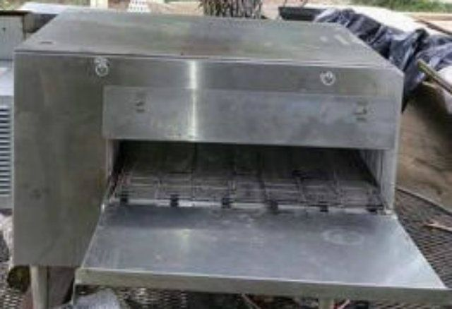 used lincoln impinger 1301 conveyorized electric oven Used Lincoln Impinger 1301 Lincoln Impinger Models