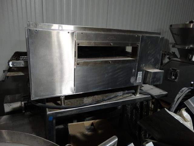 Holman QT14 Conveyor Sandwich Warmer