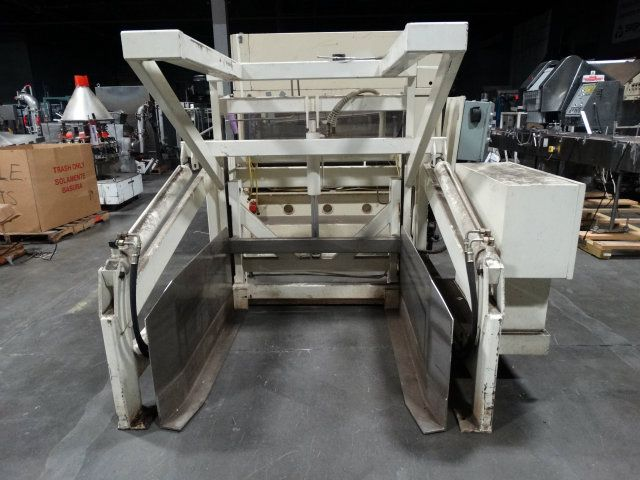 Material Transfer and Storage Phoenix Tote Dumper