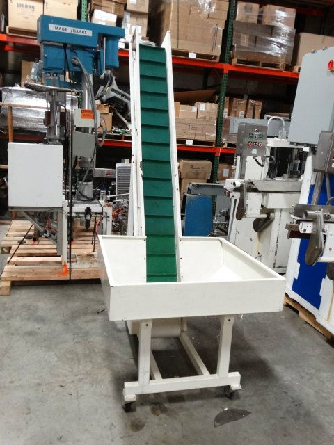 Cleated Incline Conveyor with Hopper