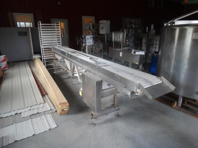 12 inches x 134 inches Plastic Mat-Top Conveyor