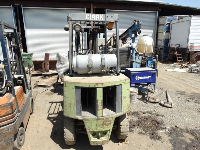 Clark GPX25E 3600 LB Natural Gas Forklift