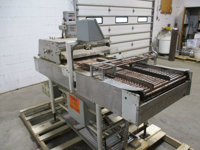 LeMatic G5 3 Lane Bun and Roll Slicer