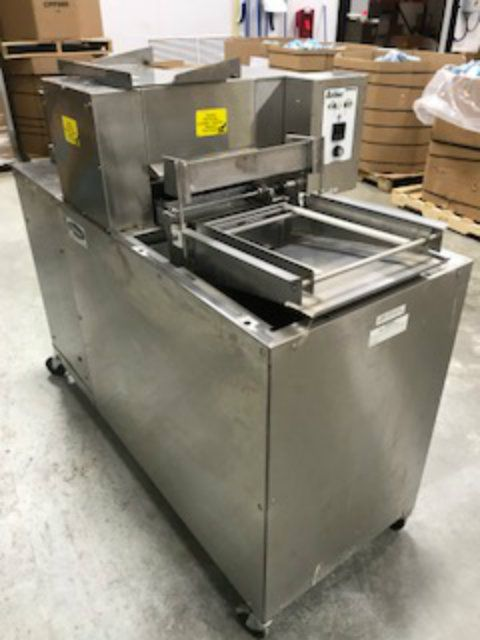 Belshaw TG 25 Thermoglaze Donut Processing System