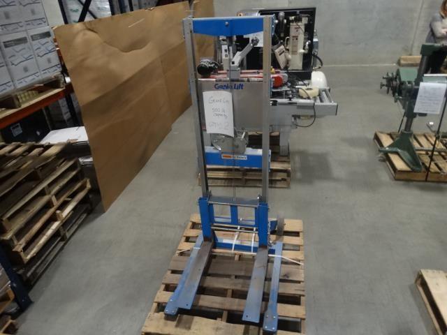 Used Genie Lift 500 Pound Manual Hand Crank Lift