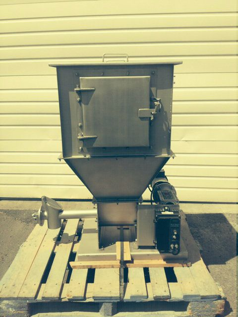 Used 500 Pound Hopper with 2 5 In Diameter Auger Feeder