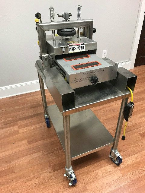 Oliver 1708 Self-Actuating Tray Sealer With Stand