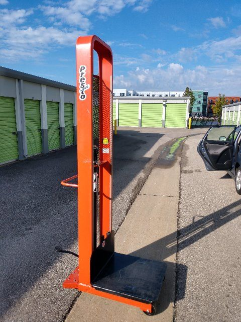 Presto M100 M178 Manual Lift Stacker 24 x 24 Inch
