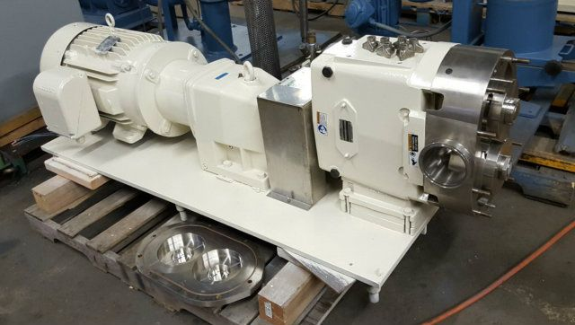 Waukesha 220 UI Positive Displacement Pump
