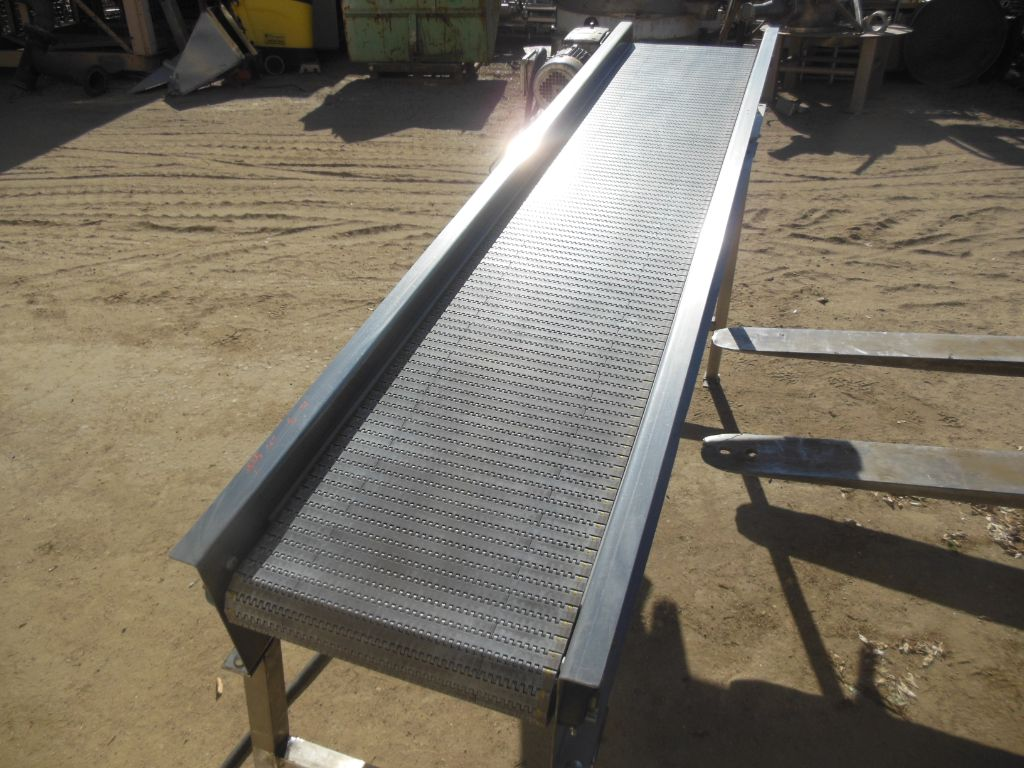 Inclined SS Frame Plastic Belt Conveyor 15