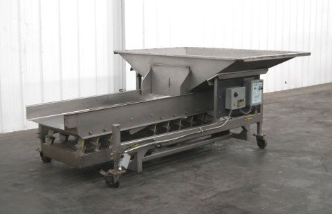 Allen Shaker Conveyor with Hopper Model MGD40596