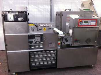 G2000 Compact bun and roll-line photo