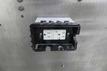47 15D105-SS